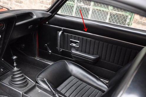 1971-Opel-GT-Interior.jpg